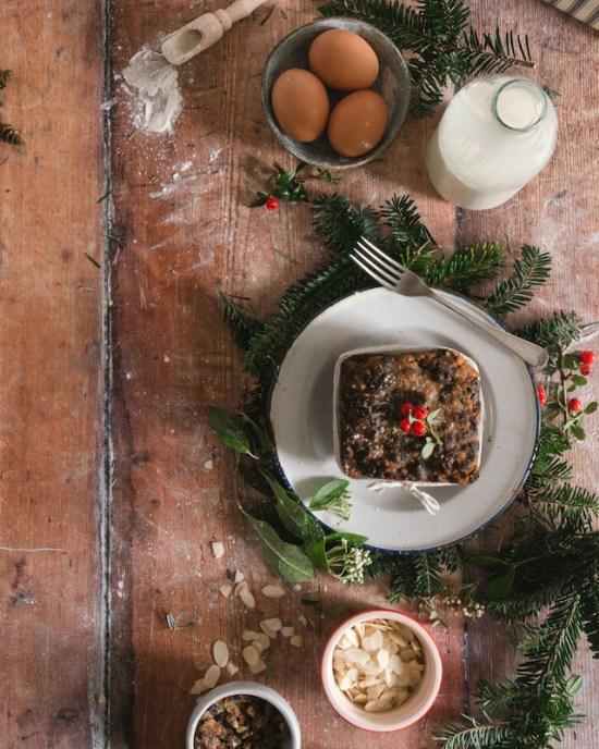 christmas cake food photography flatlay