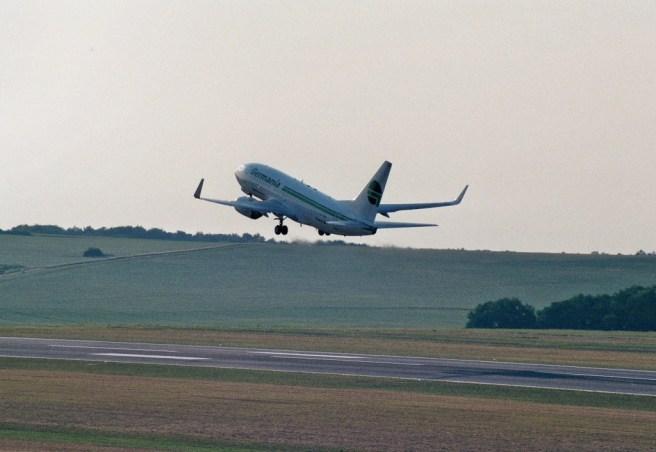 Germania D-AGET beim Abflug
