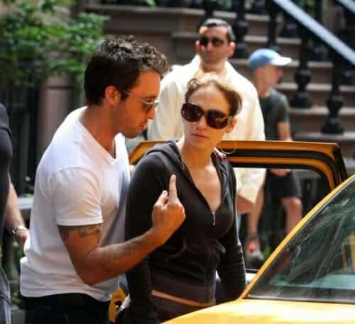 Alex and JLo rehersing taxi cab scene