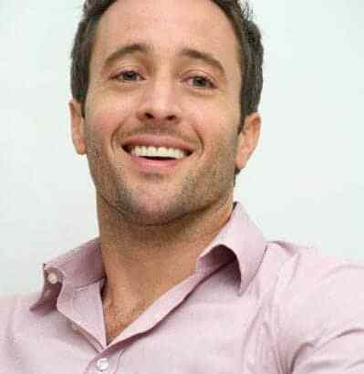 More Press Photos and an Interview – Alex O'Loughlin