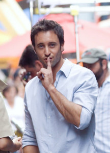 alex o'loughlin being cute