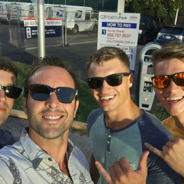 alex o'loughlin with 3 male fans