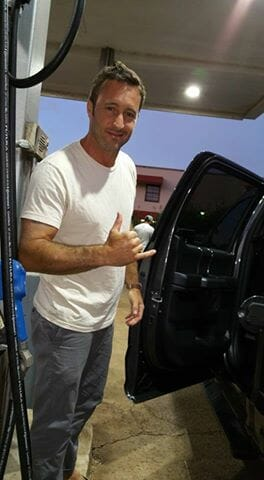 alex o'loughlin at gas station