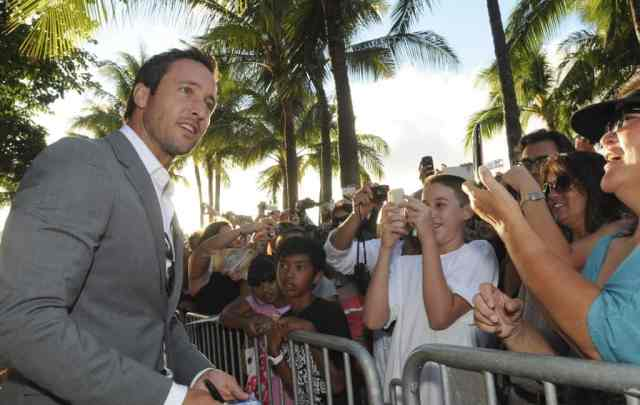 Alex O'Loughlin SOTB Season 3