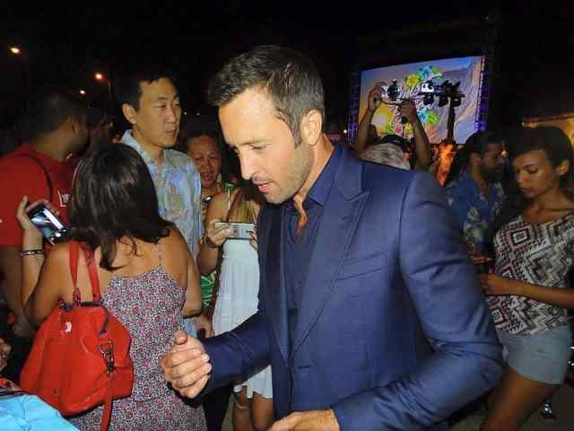 Alex O'loughlin SOTB season 6
