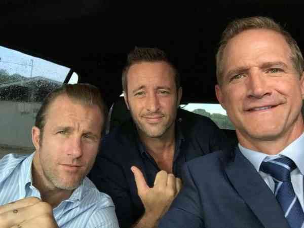 Alex O'loughlin BTS with with Matt Battaglia