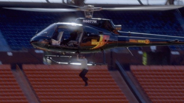 Alex O'Loughlin helicopter stunt