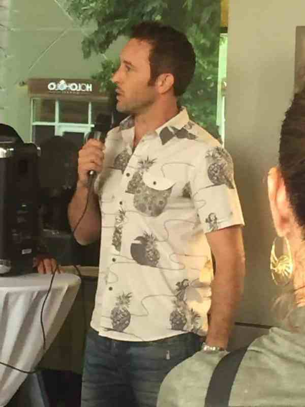 alex o'loughlin at egan ionues book release