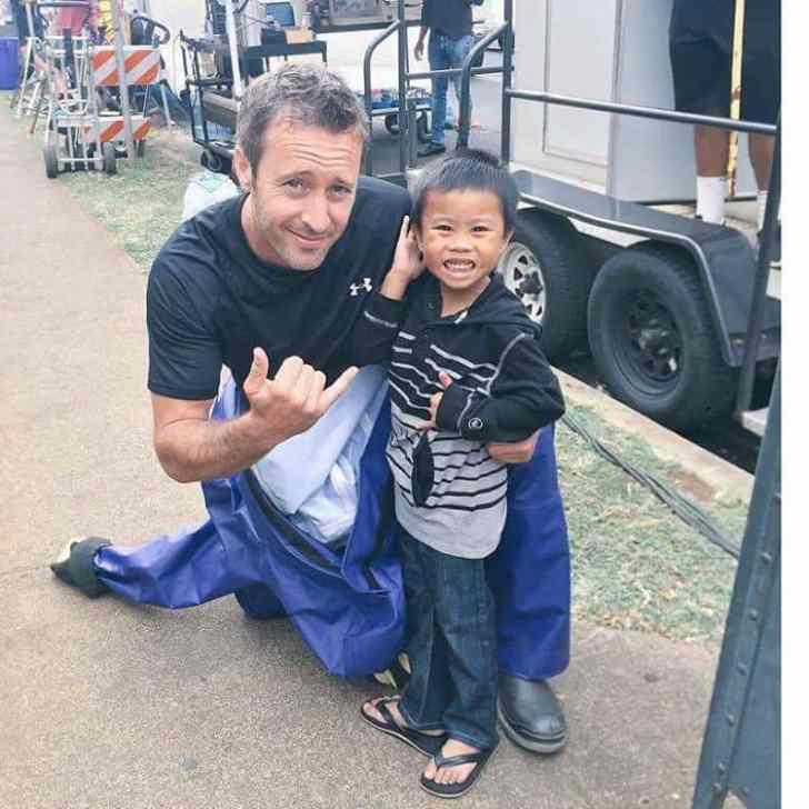 alex o'loughlin and kid fan