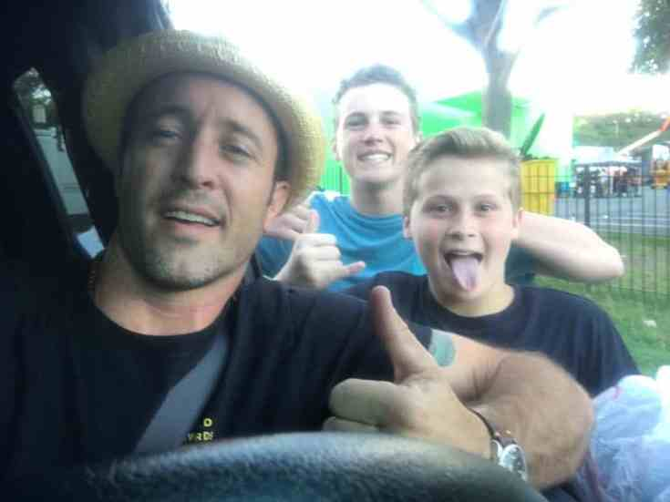 Alex O'Loughlin with kid fans