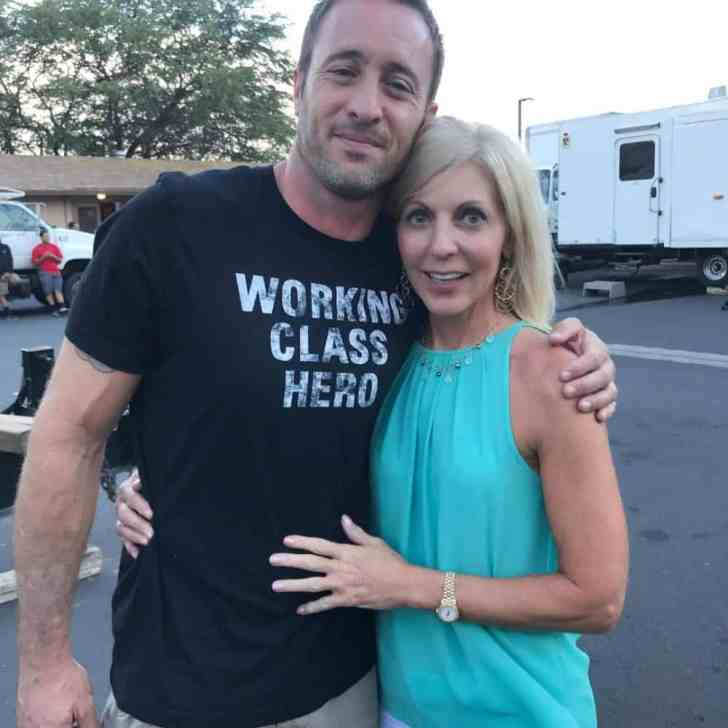 alex o'loughlin on set