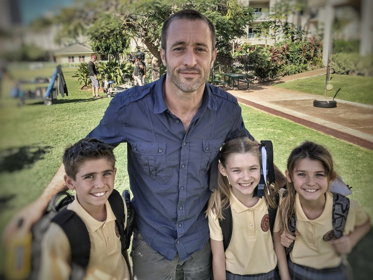 Alex O''Loughlin behind the scenes