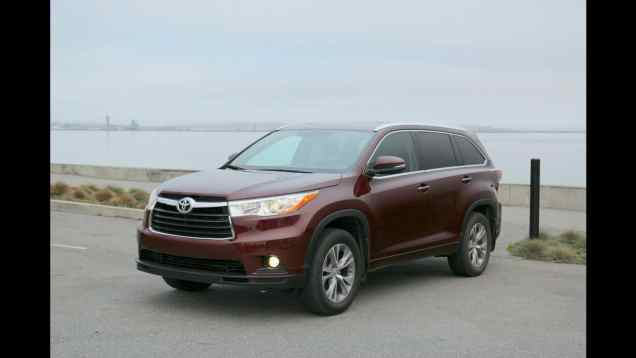 2014 Toyota Highlander XLE 7 Seat Crossover Review and Road Test