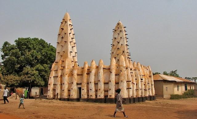 أوقفوا بناء المساجد