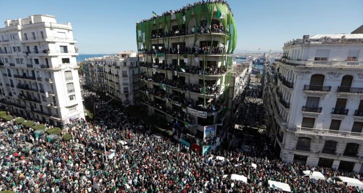 الجزائر تريد التغيير ولا تقدر عليه
