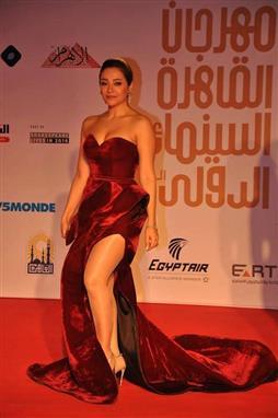 بالصور فنانات بفساتين مثيرة في مهرجان القاهرة السينمائي