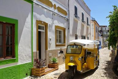 2 bedroom cottage in heart of charming village to rent