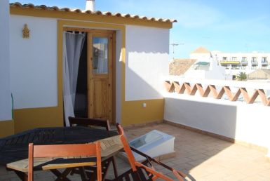 2-Bedroom Typical House Tavira Centre to rent