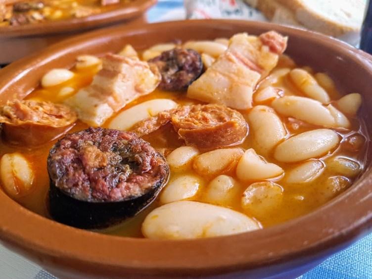 fabada asturiana primer plano