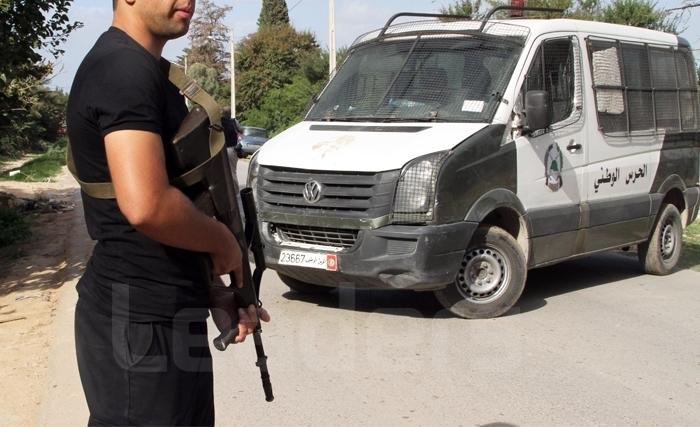وحدات الحرس الوطني تلقي القبض على عناصر تكفيرية مفتش عنهم ومحل حكم بالسجن بدوار هيشر وتاجروين