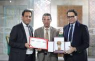 وزير الشؤون الثقافية يكرّم الاعلامي بموقع الحرية التونسية منصف كريمي