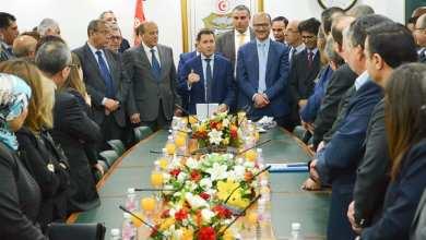 Photo of وزير الصناعة الجديد يؤكد على ضرورة تطوير الطاقات المتجددة والنجاعة الطاقية والانتقال الطاقي