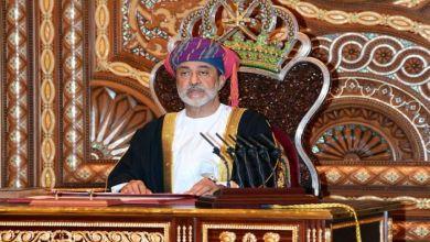 Photo of سلطان عمان الجديد يأمر بتغييرات على كلمات في النشيد الوطني العماني والعلم وشعار السلطنة