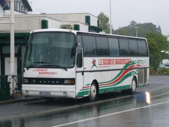 French School Bus: Basque Bondissant