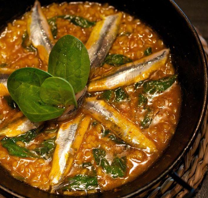 Receta de arroz con boquerones y espinacas