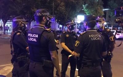 El Ayuntamiento de Alicante organiza un amplio dispositivo de seguridad para garantizar el uso obligatorio del uso de mascarilla en Alicante