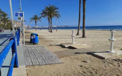 El Patronato de Turismo mejora los accesos peatonales de la playa del Postiguet