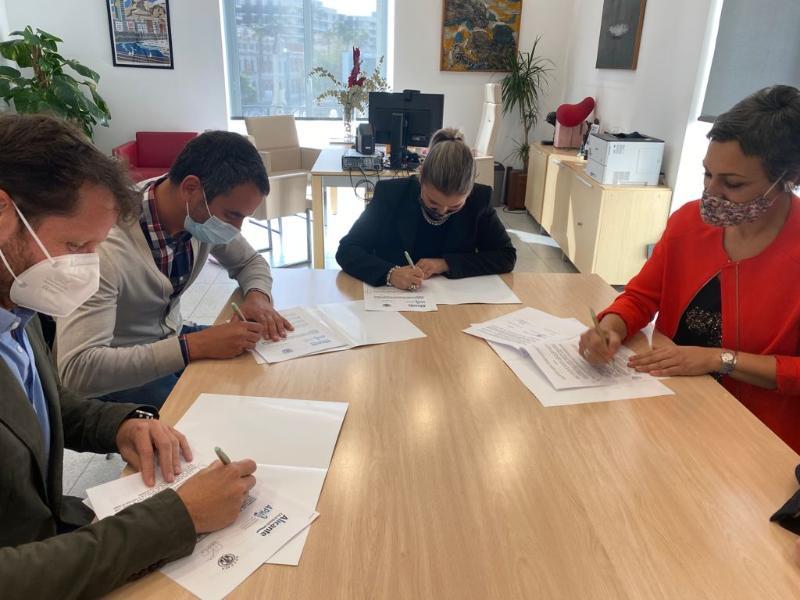 El Patronato de Turismo firma un convenio de colaboración con el sector para promocionar los eventos musicales