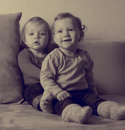 Zwei auf dem Sofa