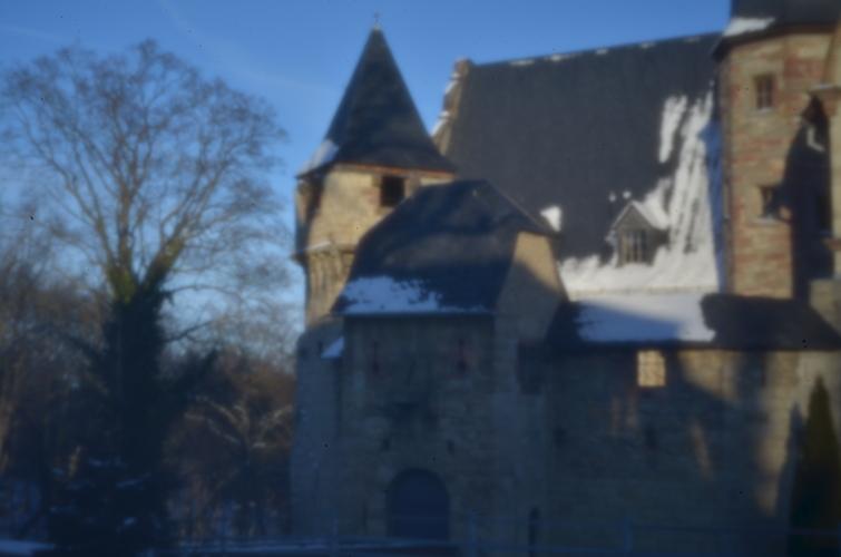 Oberschloß Kranichfeld in Farbe  [holga pinhole lens]