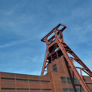 Zeche Zollverein-Blau und rostrot