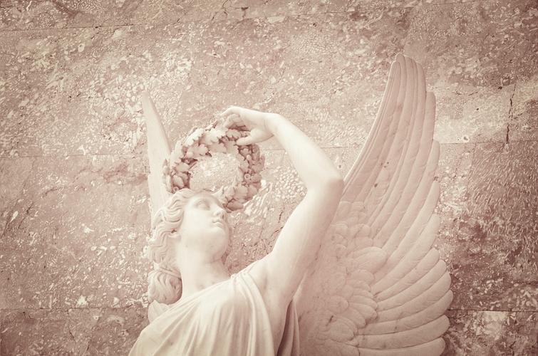 Engel in der Walhalla [experimentell]