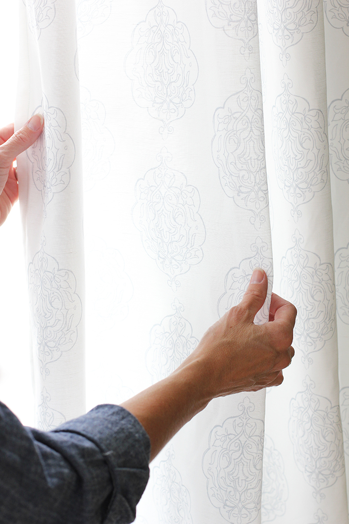 Learn how to sew simple curtain panels - great beginner sewing project!