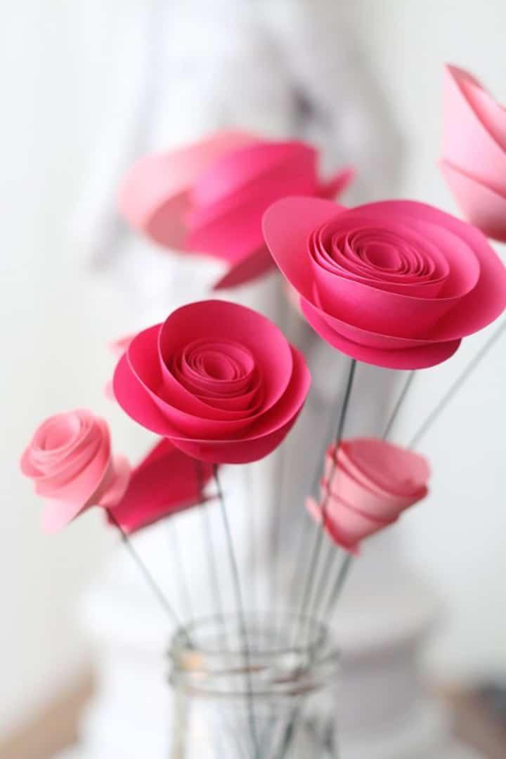 Simple paper flowers DIY