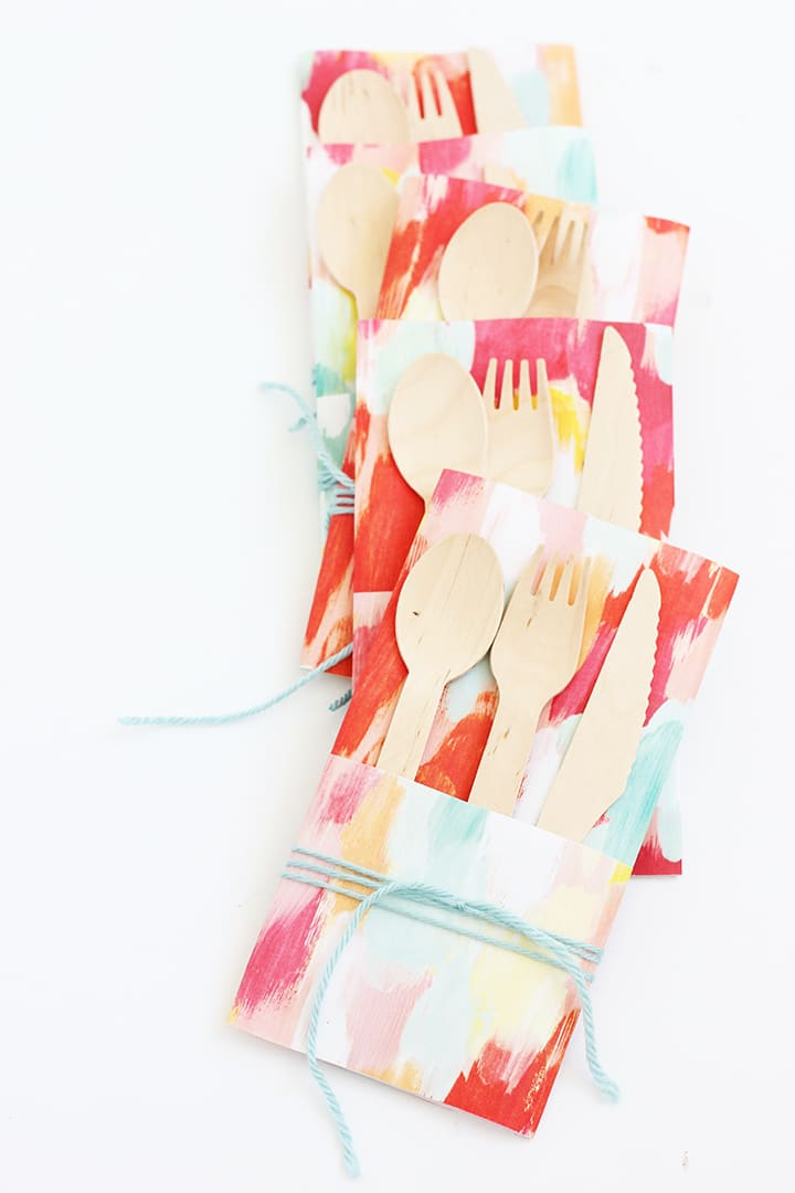 Create a simple paper wrapper for utensils - perfect for your summer picnic!
