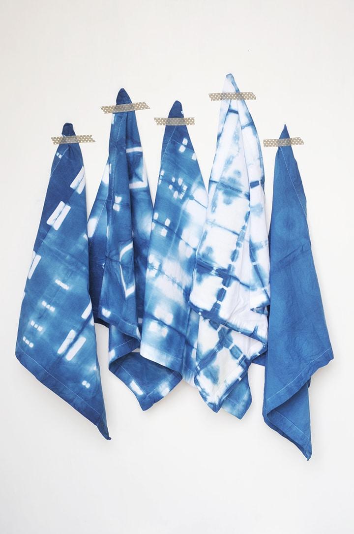 Learn how to make these gorgeous DIY Shibori Indigo Cloth Napkins!