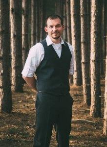 travis_dewitz_pines_portrait_suit_web