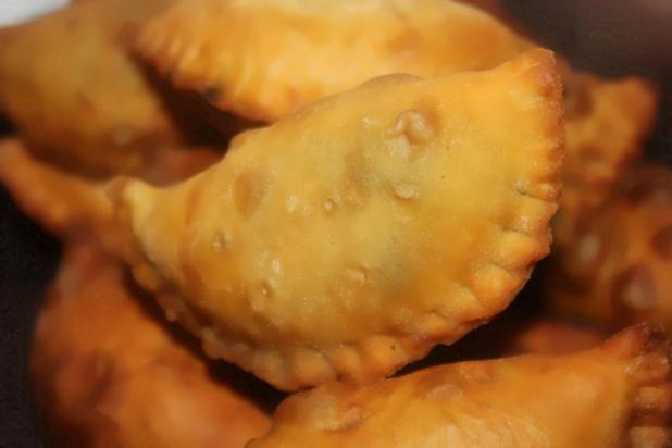 Les Pastels de Viande (Pili-Pili au Cameroun)