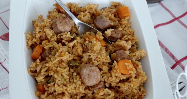 riz sauté a saucisse et légumes