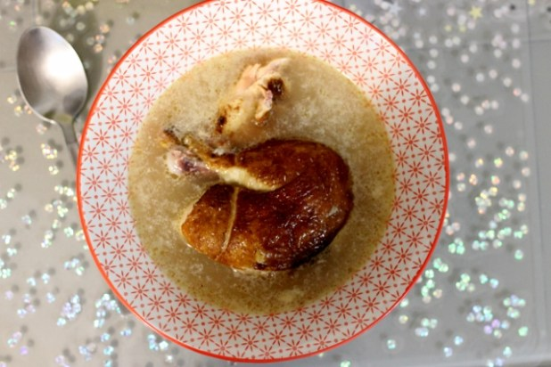 Bouillon de poulet fumé à la maniguette