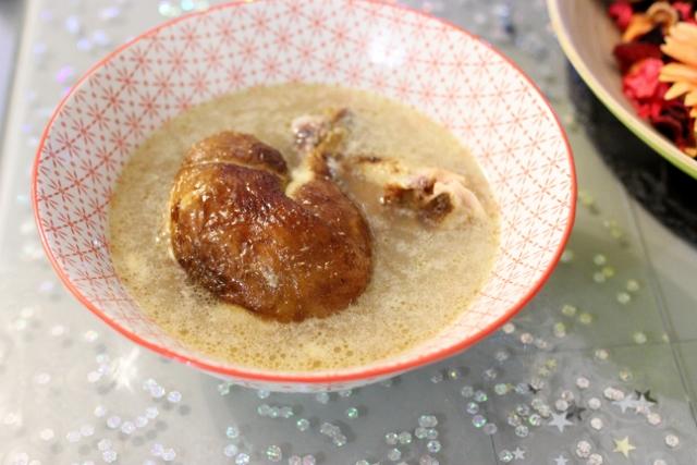 bouillon de poulet fume a la maniguette