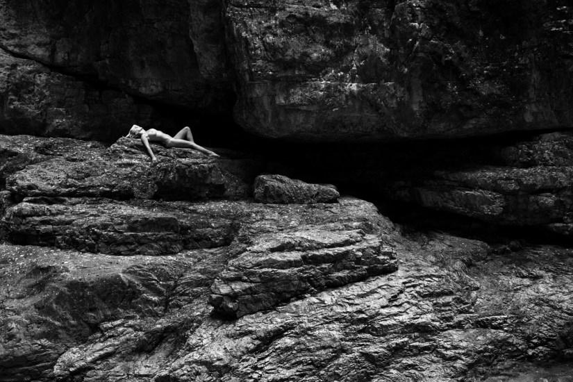 Alessandro Zaffonato: Return to Nature 006, 2015-2018 – stampa fine art | location: Val di Piero, Sedico (BL) | model: Giorgia