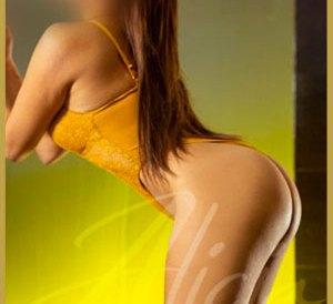 EMMA-Escorts-en-MTY cuerpo pequeño con hermosas curvas