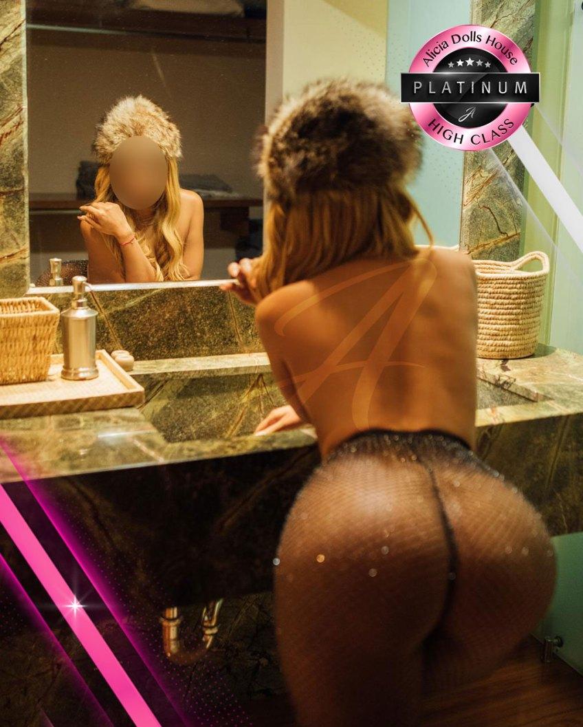 Anastasia modelo y edecan platinum aliciadollshouse