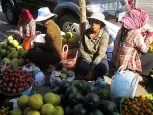 Fruit Seller in Phnom Penh1