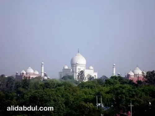 Taj Mahal Featured